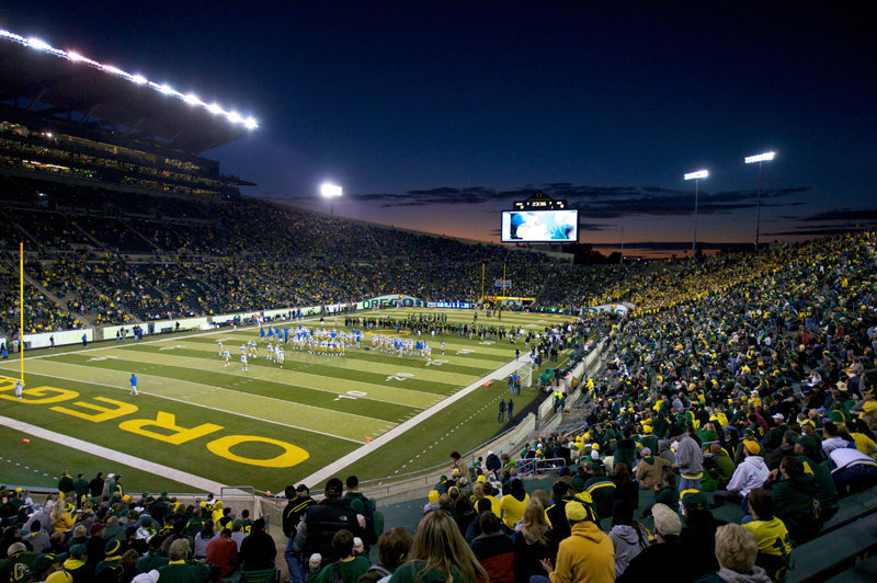 The Rimington Trophy is just one piece of hardware Grasu will look to bring to Autzen.