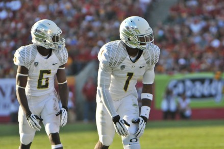 De'Anthony Thomas (6) and Josh Huff (1) line up for a play against USC last season.