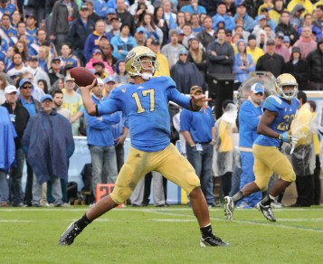 Hundley looks to help UCLA meet high expectations in 2013