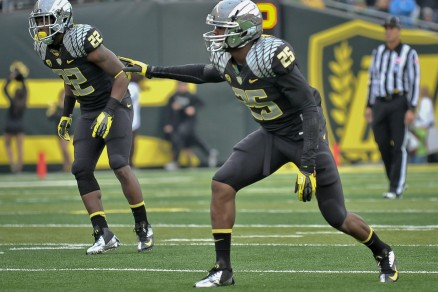 Derrick Malone (22) and Boseko Lokombo will be key parts of what could be a terrifying linebacking corps this season.