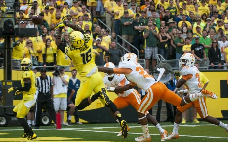 Daryle Hawkins missed on this grab, but the Ducks' passing shredded the Vols.