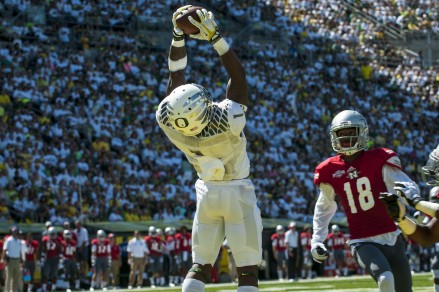 Josh Huff showed why he is one of the best receivers in the nation on Saturday. Huff reeled in 5 catches for 118 yards.