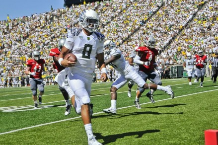 Marcus Mariota threw for 234 yards against Nicholls State