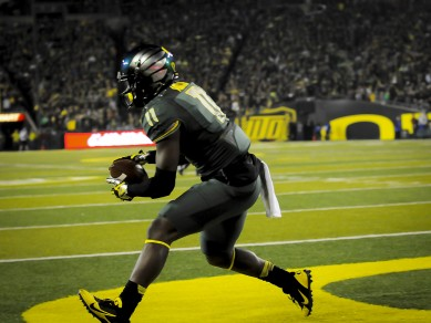 Addison continues to make plays for Oregon