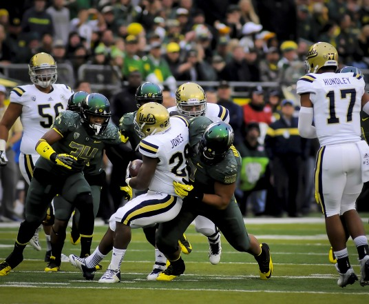 Oregon's defense is allowing fewer than 17 points per game this season