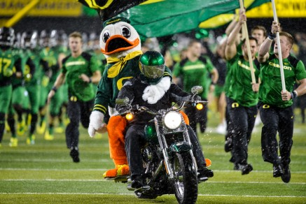 The Oregon Ducks are rolling on both sides of the ball