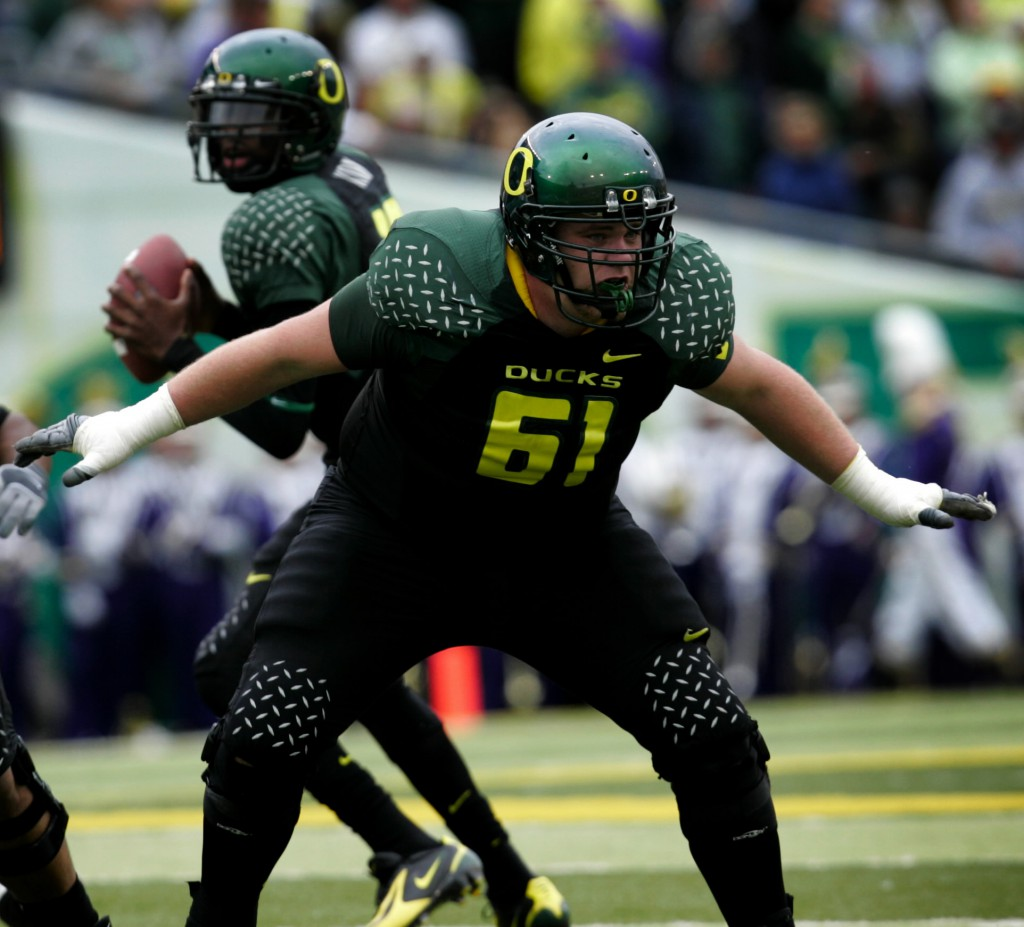 No. 24 Oregon hosts Washington in a Pac-10 football game