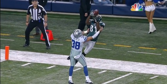 Jason Avant leaps for amazing catch over a distracted Jeff Heath