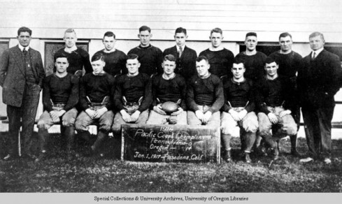 Photo of Oregon Ducks Football 1916 taken from University of Oregon Libraries