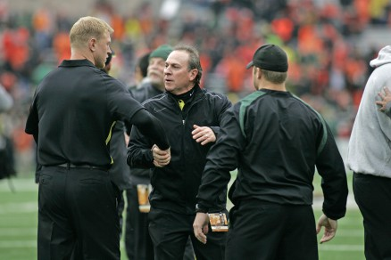 Coaches pre game meeting (Aliotti centered)