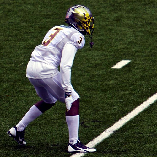 From FishDuck.com to our friends from Pullman, a lovely picture of outstanding defensive back Dior Mathis. Just because.
