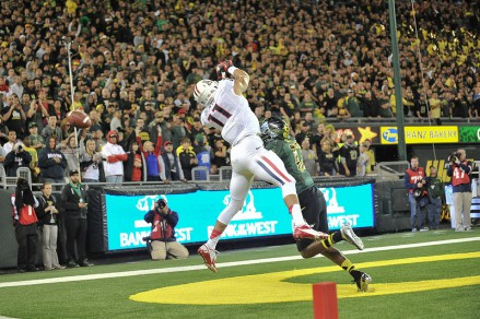Oregon should be playing tight to Arizona receivers to prevent a close game for two straight game weeks.