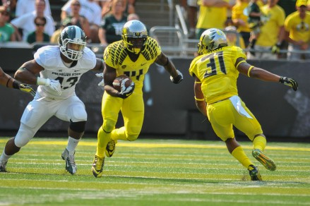 Ifo Ekpre-Olomu and the Ducks defense are looking to make a statement against Stanford