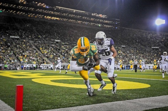 Dwayne Stanford with a touchdown catch against Washington.