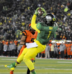 Josh Huff's leaping catch gave the Ducks a 36-35 win in last year's contest.