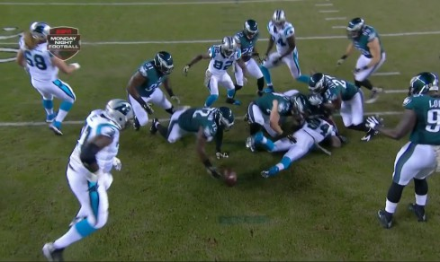 Eagles recover fumble that Casey Matthews forced on 2nd play from scrimmage