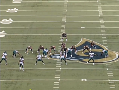 Matthews (#50) is the middle linebacker across from the center.