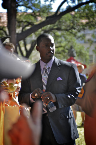 For no good reason I decided to randomly place a picture of Desmond Howard right here.