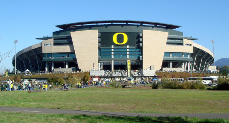 Could Autzen Stadium Be Braxton Millers New Home?