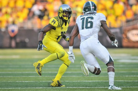 Oregon cornerback Ifo Ekpre-Olomu was injured before the playoff