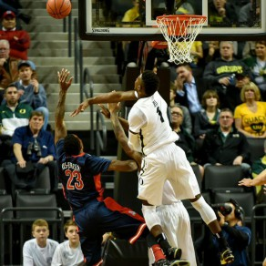 Jordan Bell's rim protecting abilities has helped the Ducks jump to a 12-4 record.