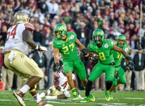 This #8 should not have the ball - its Reggie Daniels taking the ball from #4 Dalvin Cook