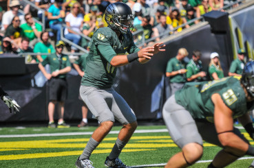Jeff Lockie leads the list of possible replacements for Mariota.