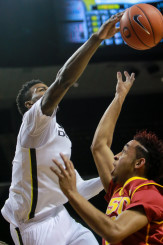 Freshman Jordan Bell had 3 blocks in Oregon's victory over USC last night.