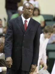 Ernie Kent on the sidelines at Mac Court