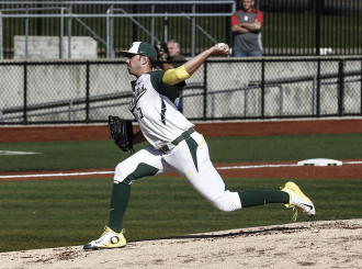 Freshman pitcher David Peterson pitched seven shutout innings in Oregon's Game 2 victory over St. John's Red Storm.