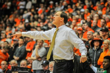 Altman coaching his team during the 2015 edition of the Civil War, which took place in Corvallis, OR.