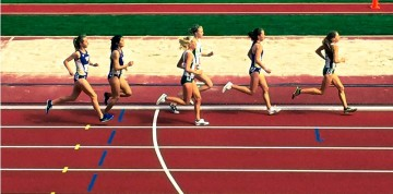 Lady Ducks sticking together in the 5000m