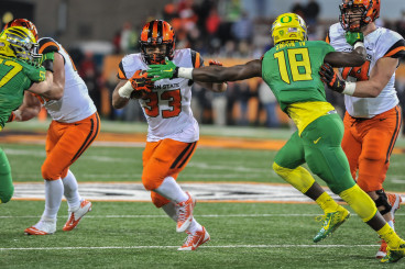 Jimmy Swain runs down Oregon State FB Tyler Anderson