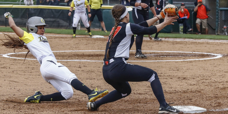 Oregon Softball against UCLA
