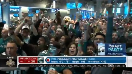 Eagles fans seem to approves approving agholor from video