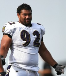Ngata at Ravens training camp in 2009.