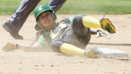 Takeda steals her 100th career base in another record breaking performance for the Ducks.