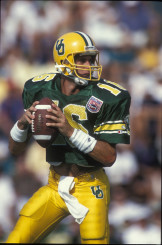 Danny O'Neil throws a pass against Washington in 1994
