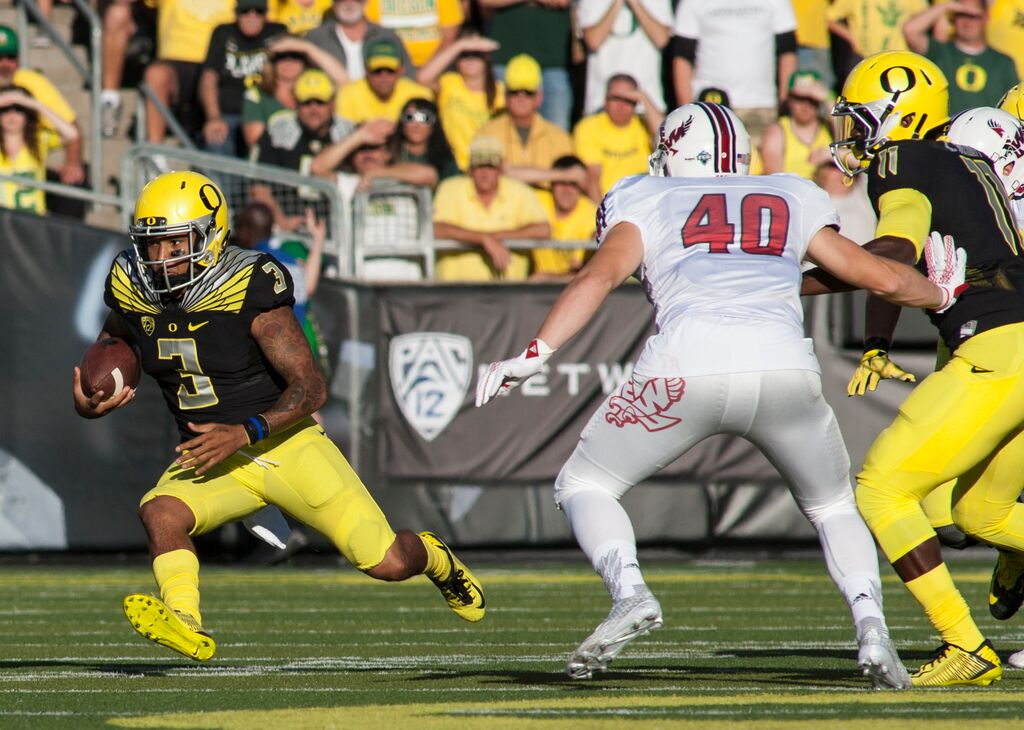 Vernon Adams gets down against Eastern Washington.