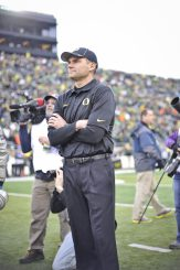 Mark Helfrich is 23-6 as a head coach and has two bowl wins to his credit.