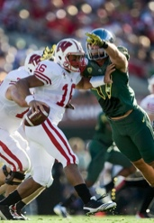 Kiko Alonso sacks Russell Wilson in the Rose Bowl.