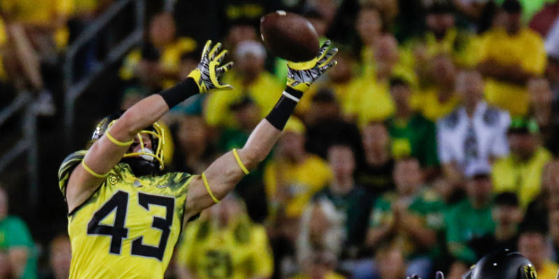 Oregon Ducks' streak of preseason Top 25 college football poll appearances ends